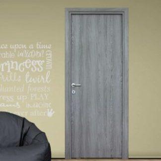 Beltéri szürke teli ajtó